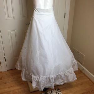 David's Bridal | Full Ball Gown Slip | Size 10